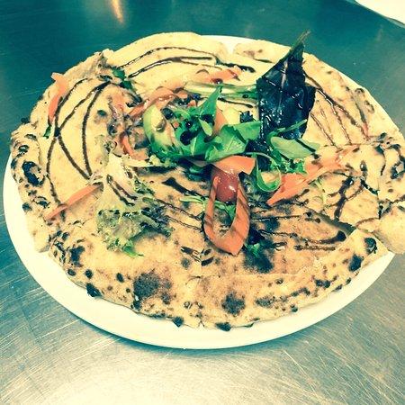 Bridgeport, CT: Pizza salad. Healthy and nice