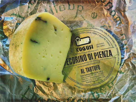 Paciano, İtalya: making pasta with truffle pecorino cheese from Pienza