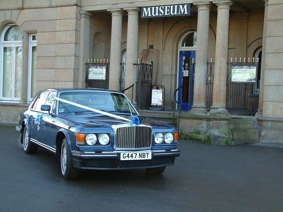 Huddersfield, UK: Wedding car photo shoot