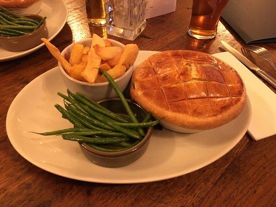 Addingham, UK: Game pie