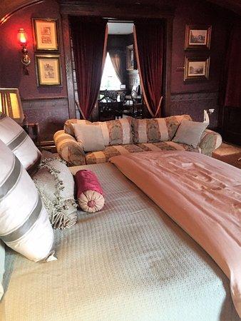 Scottdale, PA: The Oak Room