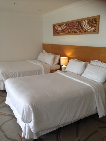 Sofitel Noosa Pacific Resort: Twin double beds