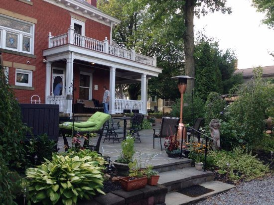 Scottdale, PA: The private back patio and balconies