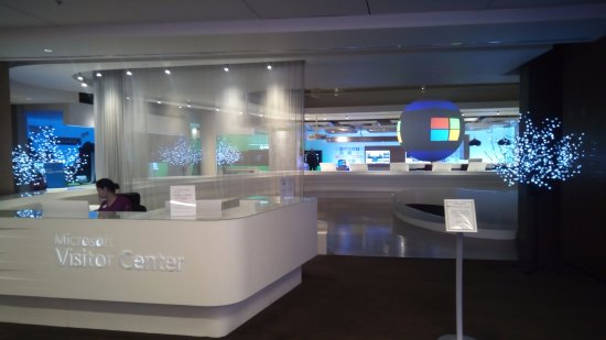 Microsoft Visitor Center: Entrance