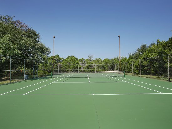 Whitney, TX: Tennis courts