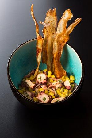 Виладеканс, Испания: Ceviche de pulpo con menta y mango