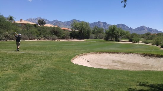 Oro Valley, AZ: Chipping and putting range