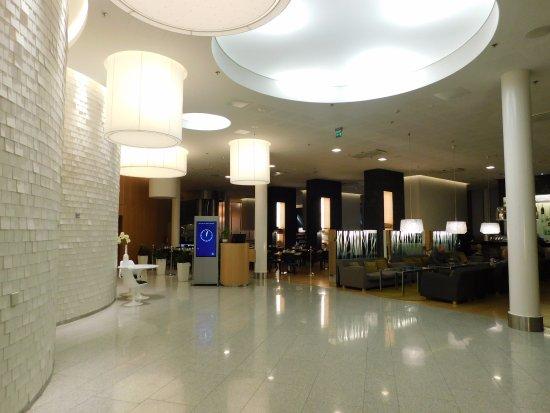 Vantaa, Finland: Lobby and Entrance