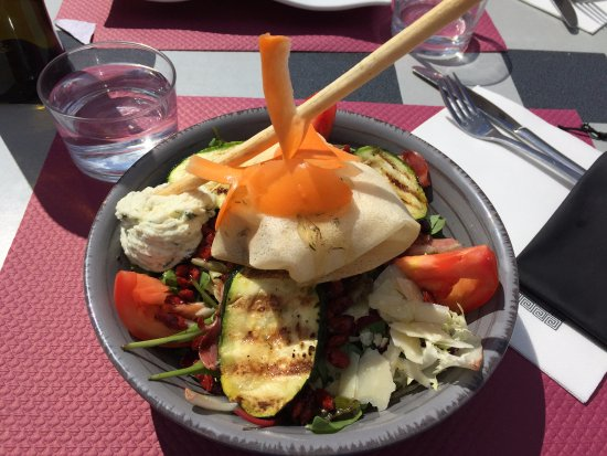Colomiers, فرنسا: Salade d'été appétissante !