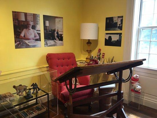 Springfield, MA: His desk