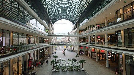 mall of berlin bild fr n mall of berlin berlin tripadvisor. Black Bedroom Furniture Sets. Home Design Ideas