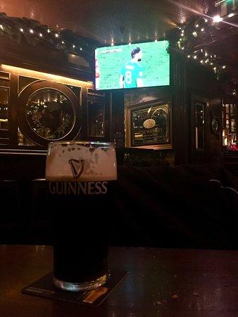 The Front Door Sonny's Bar and Restaurant: Irlanda VS Dinamarca