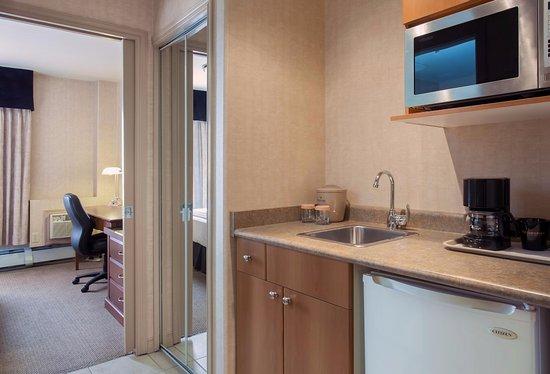 Sandman Hotel Grande Prairie: Corporate King Suite