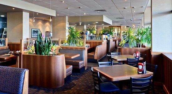 Lethbridge, Canada: Denny's 24 Hour Restaurant