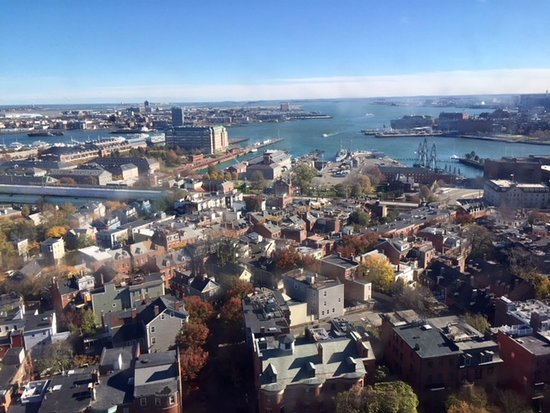 Bunker Hill : View to the south.
