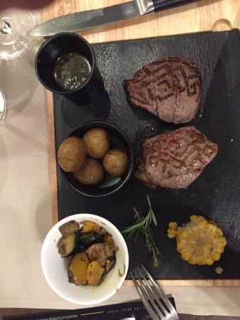 Minotor Steakhouse: photo1.jpg