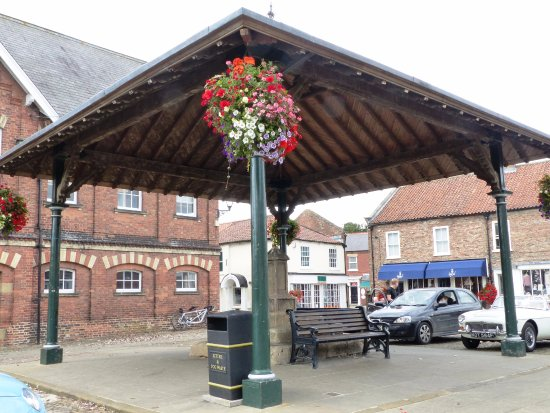 Easingwold distinctive Victorian canopy covers ancient market cross