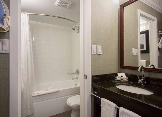 Sandman Inn & Suites Vernon: Bathroom