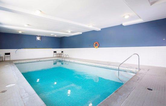 Sandman Inn & Suites Vernon: Indoor Pool