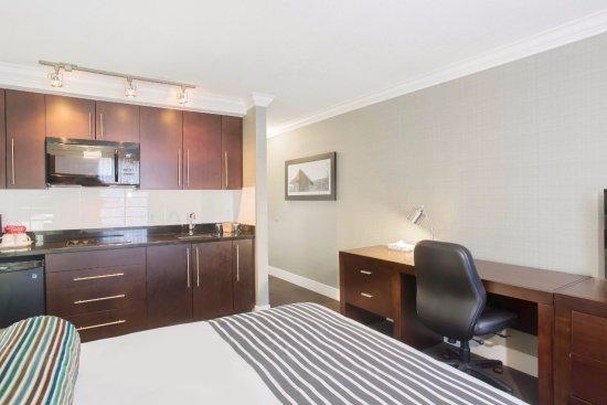 Sandman Inn & Suites Vernon: Suites with Kitchenettes