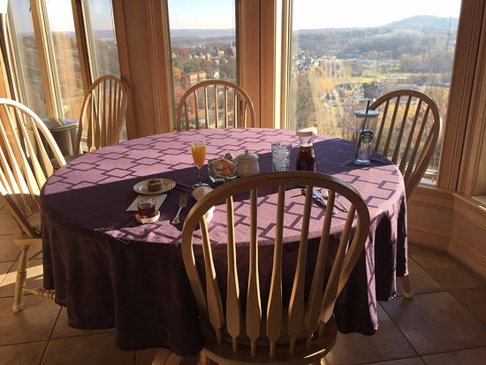 Hermann, Миссури: Breakfast with a view of the Missouri River Valley