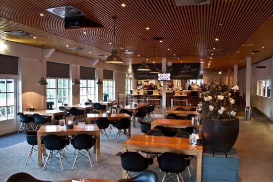 Zoetermeer, هولندا: Overzicht sportrestaurant en sportbar