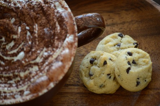Roseville, CA: Enjoy a cup of coffee, tea or hot cocoa with our cookies!