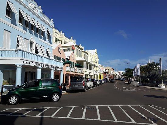 Hamilton, Bermuda: Frontal Street