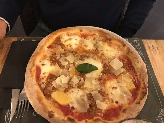 Pizza toscana foto di casa mia pizzeria italiana albizzate tripadvisor - Mia la casa italiana ...