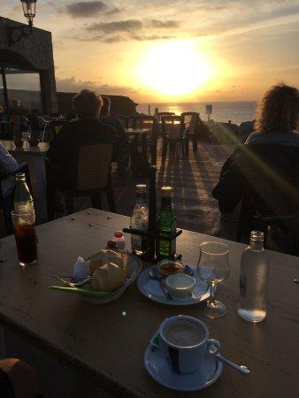 La Pared, Hiszpania: Ein Abend mit Fischplatte für 2 und sehr leckeren Pimientos😍