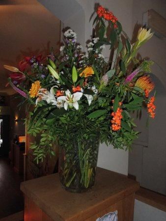 Grand Cafe Willem van Oranje : déco ,fleurs naturelles