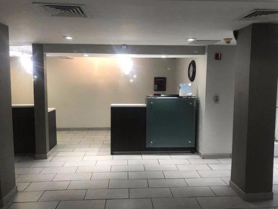 Baymont Inn & Suites Springfield I-44 Photo