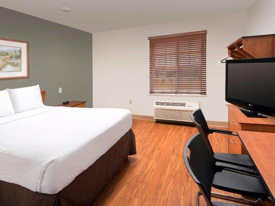WoodSpring Suites Colorado Springs Airport: One bed