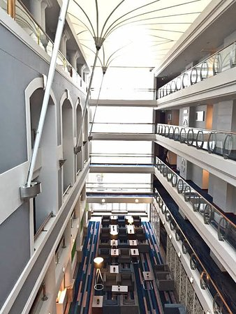 Radisson Blu Hotel Waterfront, Cape Town: Taking lift up