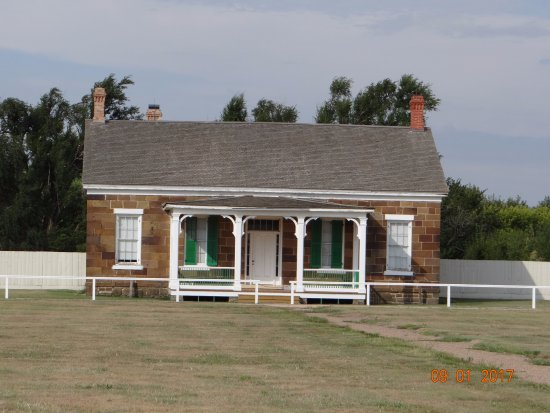 Larned, KS: Commanding Officer Quarters