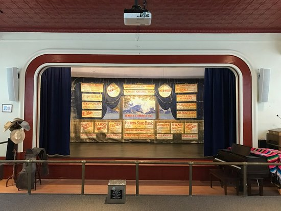 Chappell Hill, Teksas: We just finished a three year project to remodel our historic stage!