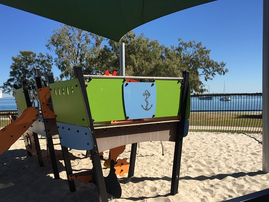 Bribie Island, Avustralya: Pirate ship Playground.