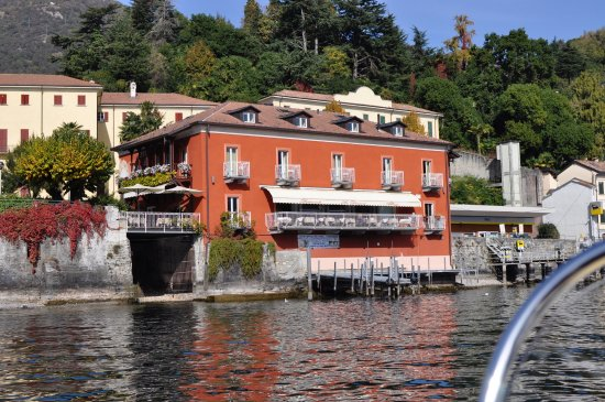 Hotel La Darsena : We rented a boat and took this pic from the water