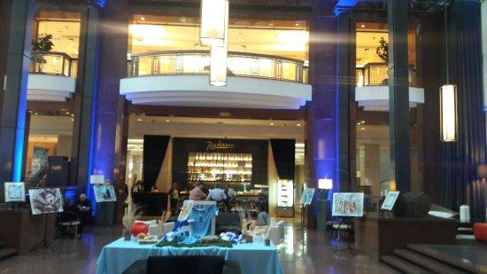 Radisson Montevideo Victoria Plaza Hotel: 20171117_182400_large.jpg