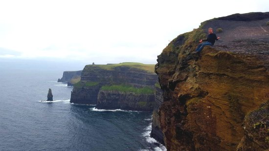 County Clare, Ιρλανδία: The cliffs are mesmerizing. No Ireland trip is complete without them