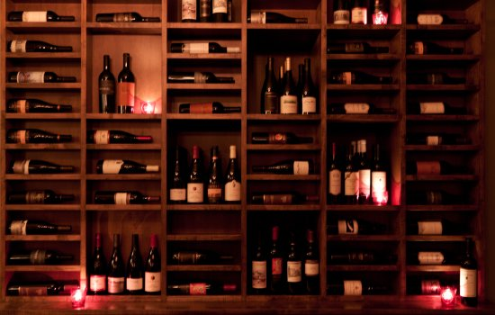 333 Belrose Bar and Grill: Wine Display