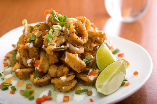 333 Belrose Bar and Grill: Calamari