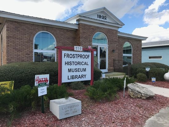 Frostproof Historical Museum Library