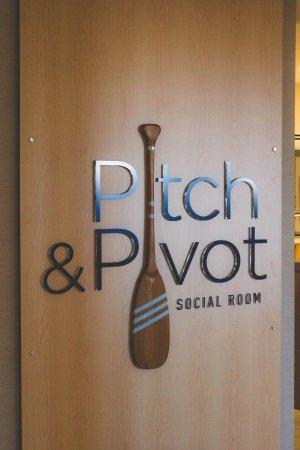 Dartmouth, Kanada: Pitch & Pivot - The Hotel Restaurant