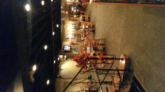 Saint Joseph, MO: Dining room