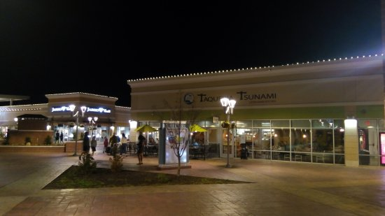937b0fb3cd7ba9 20151105 140949 large.jpg - Picture of The Outlet Shoppes at Atlanta ...