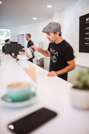 Nelson, Kanada: Slow bar