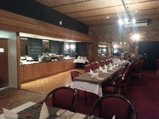Golden age motor inn queanbeyan australie voir les for Salle a manger wales