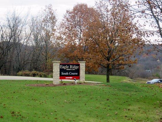 Galena, IL: sign for the Eagle Ridge South Course