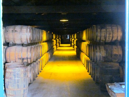 Μίνλετον, Ιρλανδία: Whiskey barrels